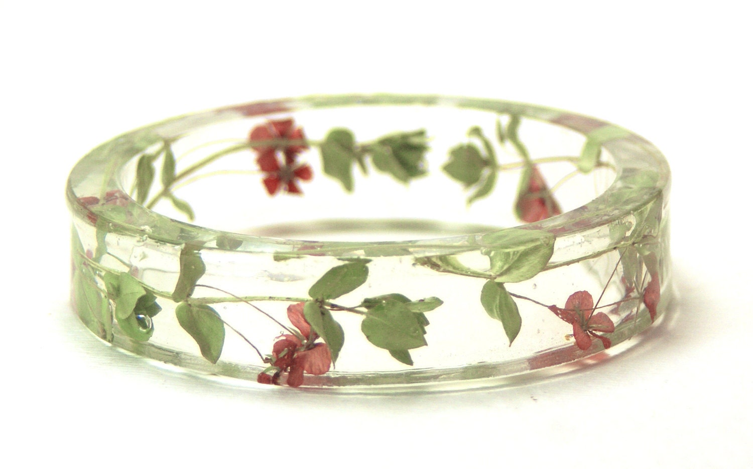 how to make resine jewellry with dried flower