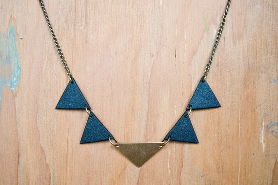 Triangles Necklace - Black & Gold (large)