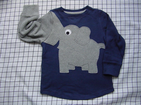 Elephant trunk sleeve toddlers size 4T crewneck NAVY