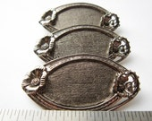 3 Vintage flowers accented silver tone brooches HC046.
