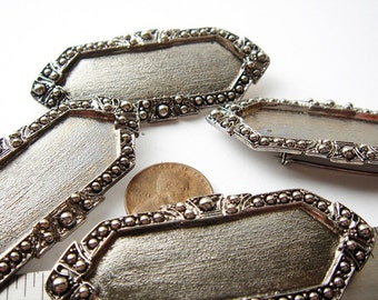 4 pieces Vintage silver tone decorative brooches HC041.