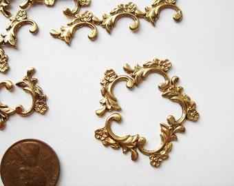 20 Vintage gold toned flower flourish embellishments HC066