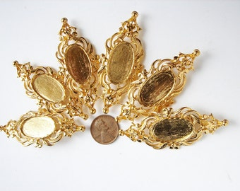6 Vintage Gold Plated Scrolly Brooches HC109.