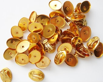 20 pairs of gold tone clip on earring findings HC186.