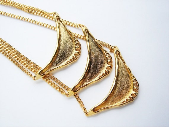 3 Vintage Gold tone Artsy Necklace Findings with chain and closure HC141.