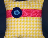 Fun Yellow Houndstooth Pillow Cover