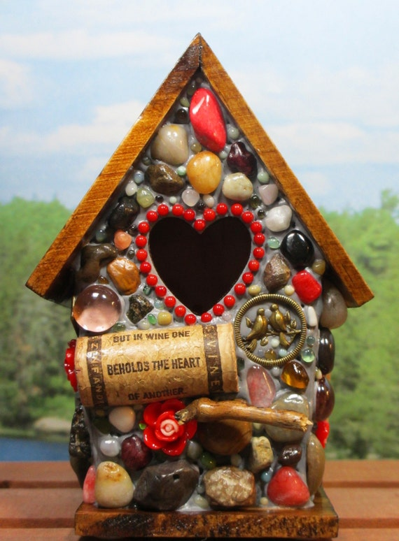 Mosaic valentine birdhouse with wine cork art and roses for How to build a birdhouse out of wine corks