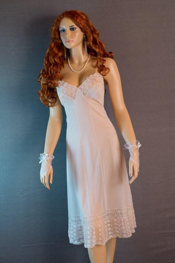 1960s vintage nylon long full slip combinaison nuisette fond de robe 1170