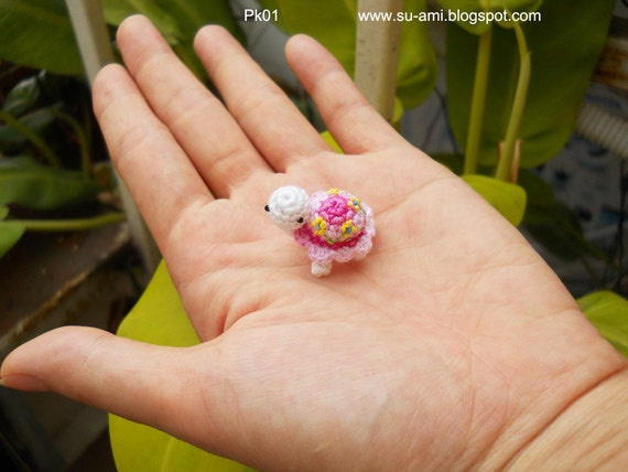 Flowery Tiny Turtle Pk1, Pink Crochet Miniatures Collectibles toys