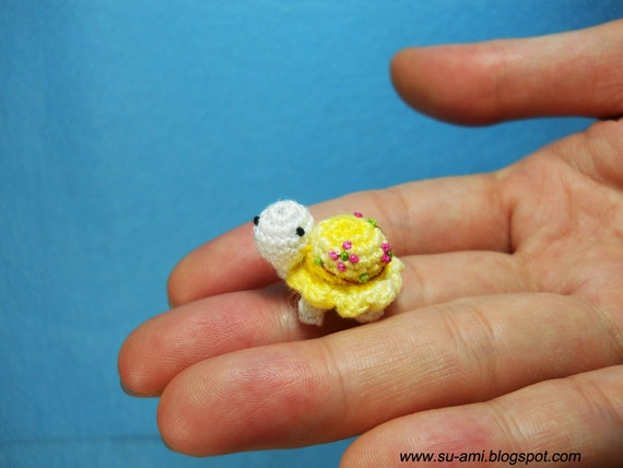 Flowery Tiny Turtle Y02, Crochet Miniatures Collectibles toys