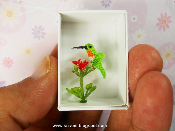 Miniature Hummingbird - Teeny Tiny Crochet Birds - Hummmingbird in Green Red