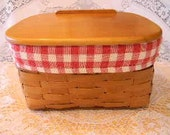 Vintage Basket w Liner, Great for Recipe Cards or Lunch