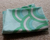 Lot of 4 Vintage 1970s Vera Pillowcases - Blue, Green and White Overlapping Circles