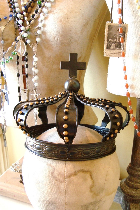 Statue Crown Metal With Cross By Edithandevelyn On Etsy