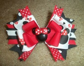 Minnie Mouse boutique hairbow