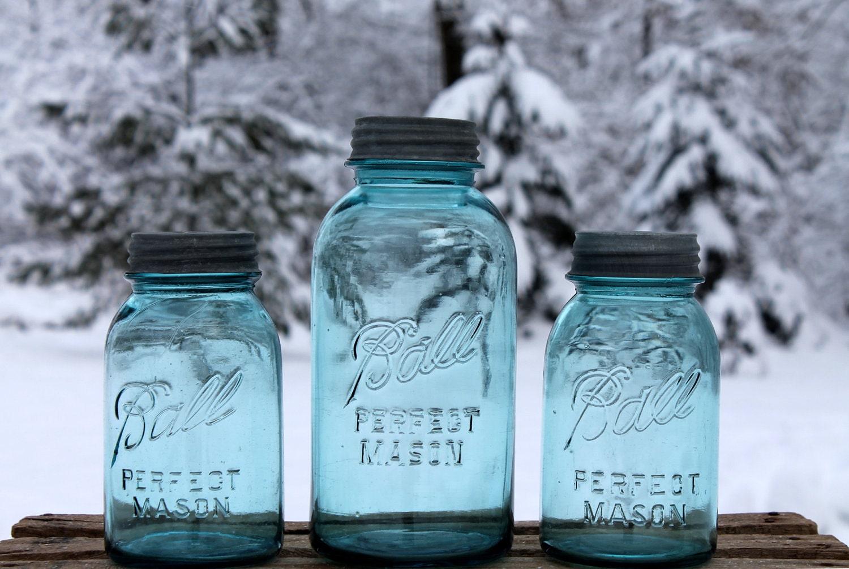 vintage blue ball perfect mason canning jars 1 quart 2 quart. Black Bedroom Furniture Sets. Home Design Ideas