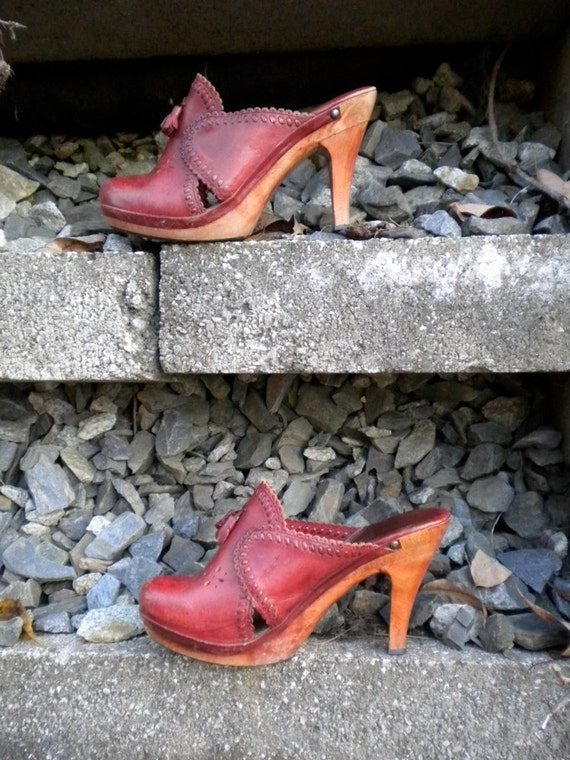 Vintage Leather and Wood Fayva Clogs Heals Shoes