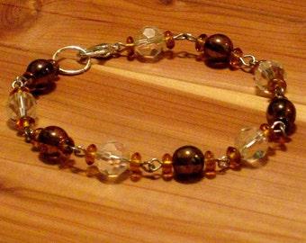 Amber and Crystal glass bead bracelet (B1101)