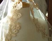 Wedding veil Ecru ivory lace appliques vintage inspired fingertip veil