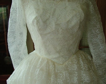 Wedding dress 1950s vintage tea length party lace sassy pick up skirt