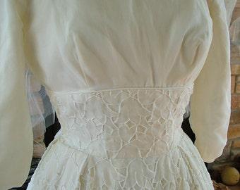 Vintage 1960s white elet lace wedding dress