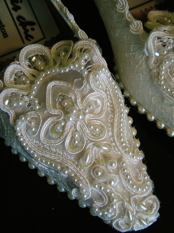Handmade Wedding shoes Pumps heels lace decorated Vintage style princess shoe