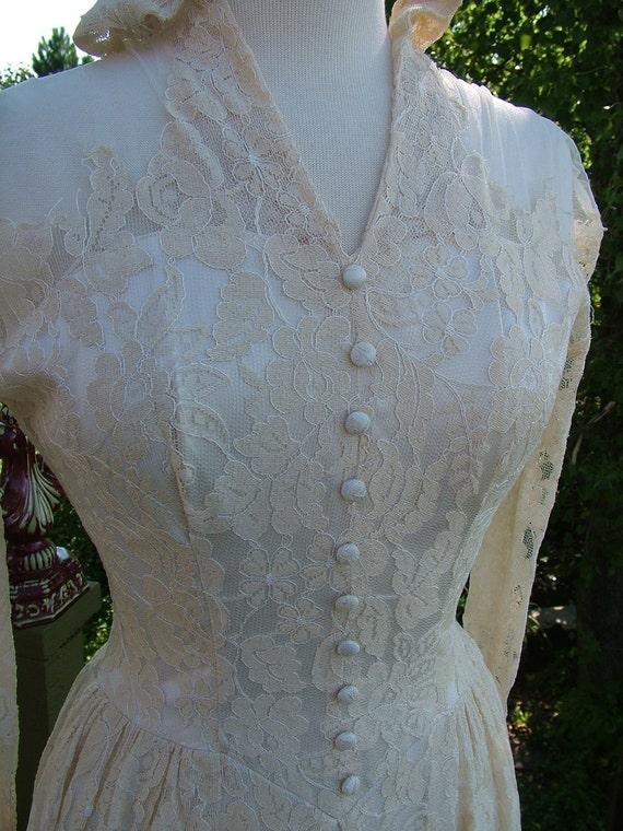 Vintage 1940s Wedding Dress Ecru lace slipper satin bridal gown size 4 6