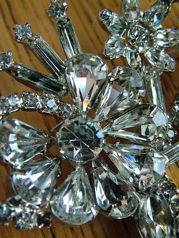 Vintage 1940s 1930s art deco style rhinestone brooch bustle bouquet pin jewelry