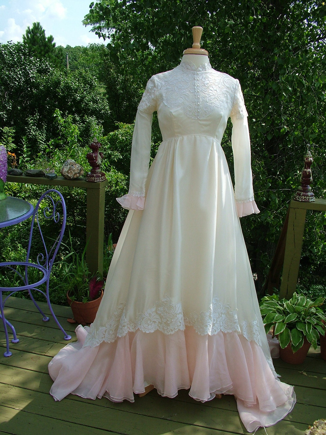 Wedding dress 1970s vintage gown ivory with pink victorian for 1970s vintage wedding dresses
