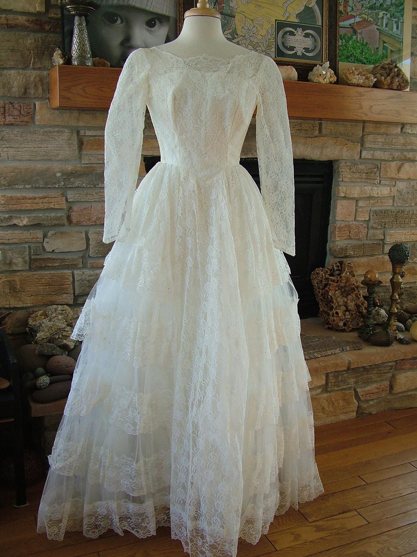 Wedding dress vintage 1950s lace princess tiers sleeves or