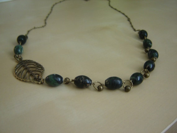 Antique brass and serpentine necklace with leaf