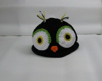 Hand knitted OWL hat for fans to show team spirit BLACK & YELLOW