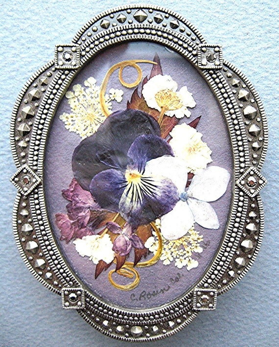 Purple Pansy Pressed Flower Frame Pewter Look Mothers Day Gift Friend Grandmother Gift Botanical Art Flower Art Garden Art Lilac Violet
