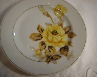 """4 1/2"""" Yellow Rose Plate Marked on the back in Red Made in Japan, Plate, Yellow Roses, Victorian, Cottage Chic, Bohemian, Antique, Unique"""