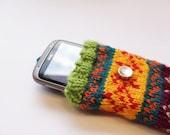 Fair isle  iphone pouch