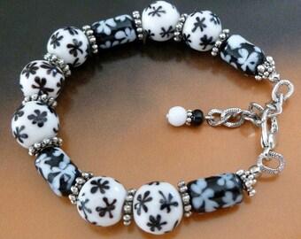 Black and White Bracelet - Black and White Bead Bracelet, Ceramic Bead Bracelet, FREE SHIPPING