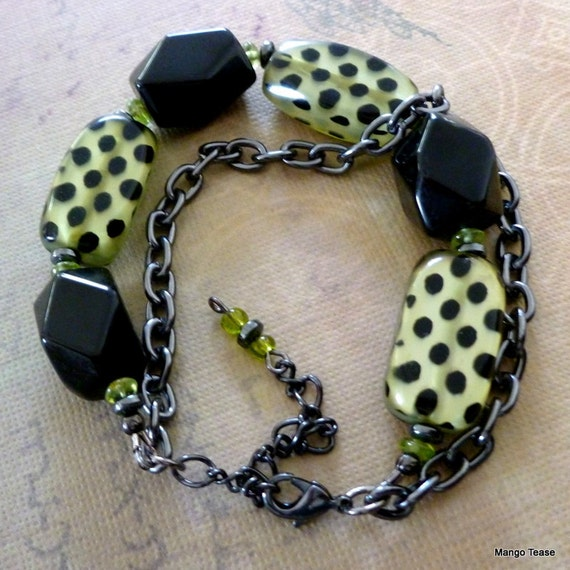 Black and Green Chunky Bracelet, Onyx and Black Spotted Green Acrylic Beads Bracelet, Gunmetal Chain Bracelet, FREE SHIPPING