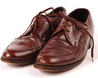 1960s Mens dress shoe Size 8 EE Brown  Sears Brand