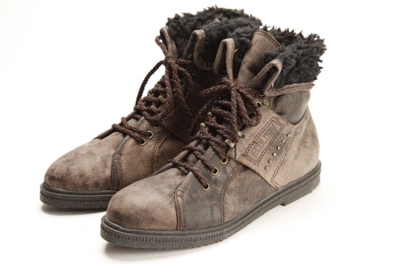New Wave Size 6. 5 ankle boots Made by Ecology