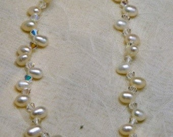 Pearls & Crystals Petite choker style