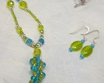 Green & blue Spring necklace