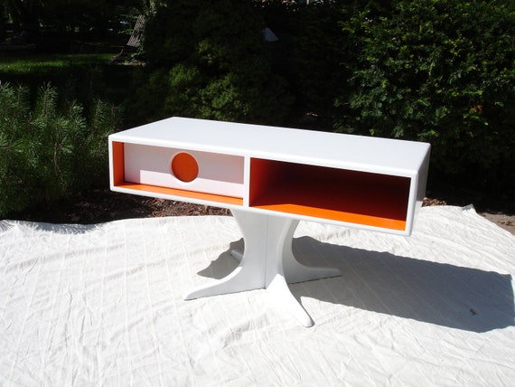 Retro tv stand with drawer.