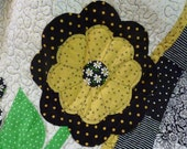 Ms. Molly Raw Edge Applique Quilt - Daisies and a Lady Bug