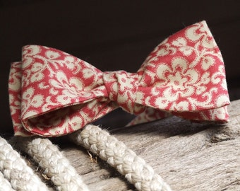 Bow Tie - men's - made in a cotton print fabric, freestyle bowtie for men handmade by Bagzetoile bowties -