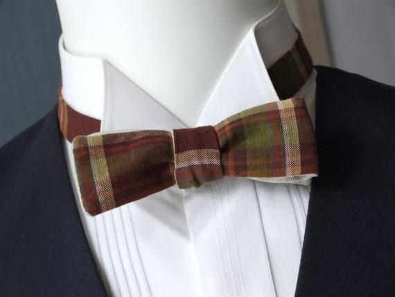 mens bowtie, skinny style, plaid fabric & plain linen fabric on reverse, self tie, freestyle for men.