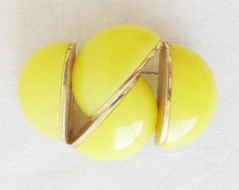 Vintage Mod Yellow and Gold Tone Brooch