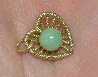 Jade & Gold Heart Pendant, Celadon Green Jadeite, Retro 1980s Vintage