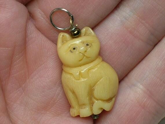 Vintage Cat Charm: Japanese Carved Ivory or Bone. Netsuke like