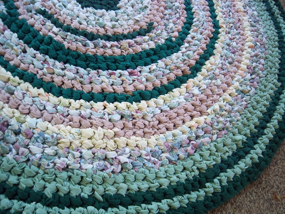 "Dusty Rose, Teal Green Crocheted 38"" Round Rag Rug"