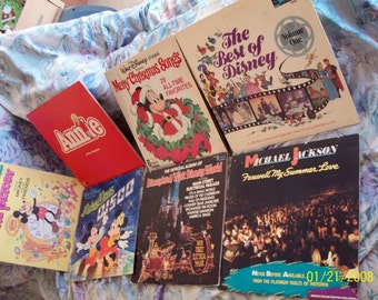 Lot of 7 Vintage 33RPM (lg) Vinyl Records/ 5 Walt Disney Productions / 1 Michael Jackson/ 1 Annie
